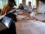 dokumenty na stole